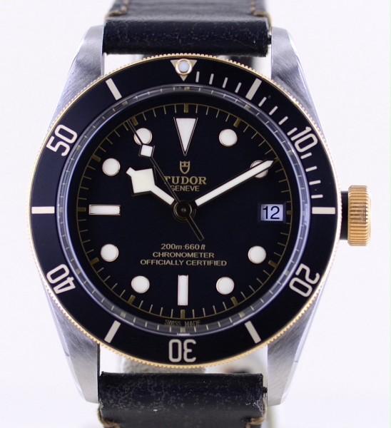 Black Bay 41 Date Stahl Gold Diver Black Dial Lederband B+P