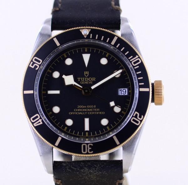Black Bay 41 Stahl Gold Diver Black Dial ungetragen Lederband B+P