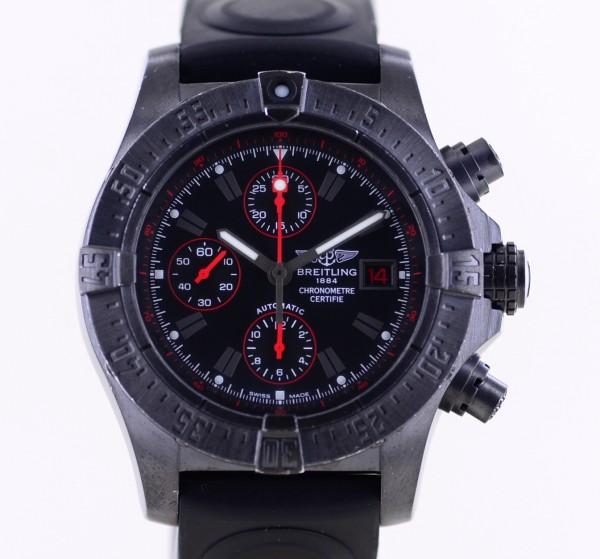 Avenger Skyland Chronograph Blacksteel black Limited Automatic Code Red B+P