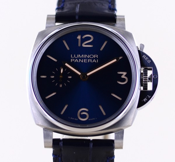 Luminor Due PAM00728 Titan small second 3-Days Blue 42mm Dial B+P 728