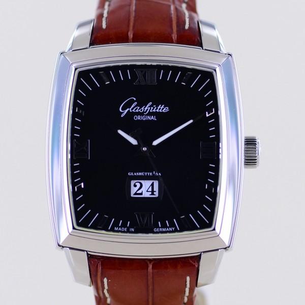 Senator Karree Panorama Datum Black 40 x 36 mm Klassiker Cal 22-02