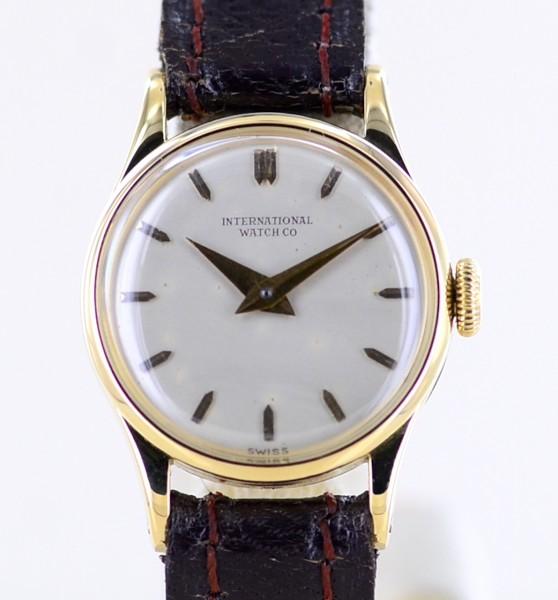 18K Gelbgold Vintage Dresswatch Schaffhausen Lady Calatrava rar